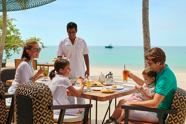 Family Escape at Fairmont Maldives, Sirru Fen Fushi