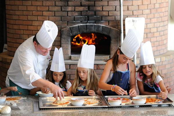 Pizza Making Class - ©VILA VITA Parc