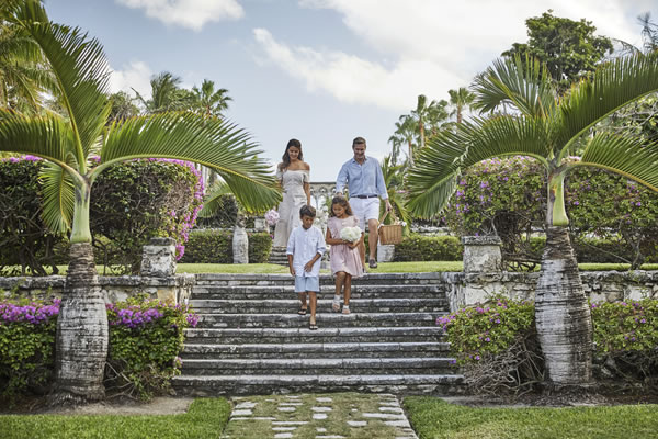 Family Picnic - ©Christian Horan - Four Seasons Resort The Ocean Club, Bahamas