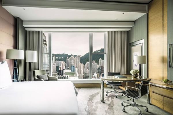 Deluxe Peak View Room - ©Four Seasons Hotel Hong Kong