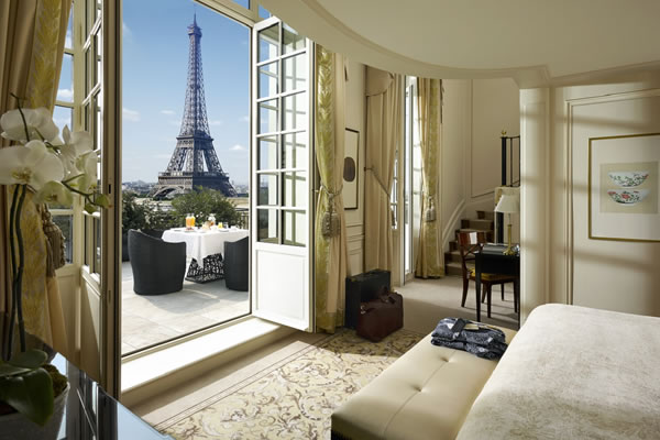 Duplex Eiffel View Suite - ©Shangri-La Hotel, Paris