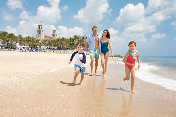 Family at the Beach ©The Breakers, Palm Beach