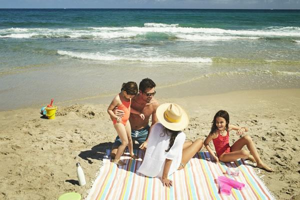 Family Time -©Eau Palm Beach Resort & Spa