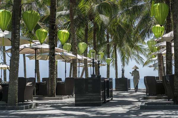 Lá Sen Outdoor Dining - ©Four Seasons Resort Hoi An (The Nam Hai) - Ken Seet