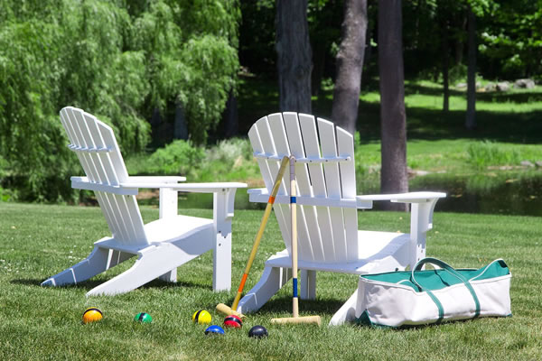 Playing Croquet - ©Mayflower Inn & Spa - Auberge Resorts Collection
