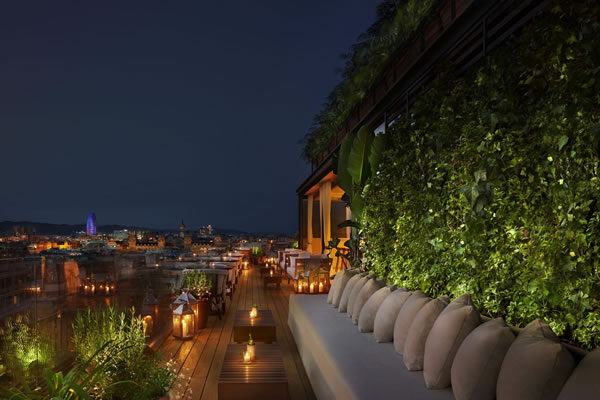 Roof Bar at Night - ©The Barcelona EDITION
