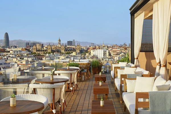 Roof Bar by daytime - ©The Barcelona EDITION