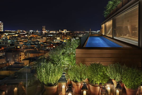 Rooftop Pool - ©The Barcelona EDITION