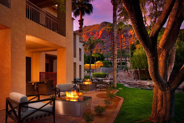Casita Grand Deluxe with Fireplace - ©The Phoenician, A Luxury Collection Resort, Scottsdale