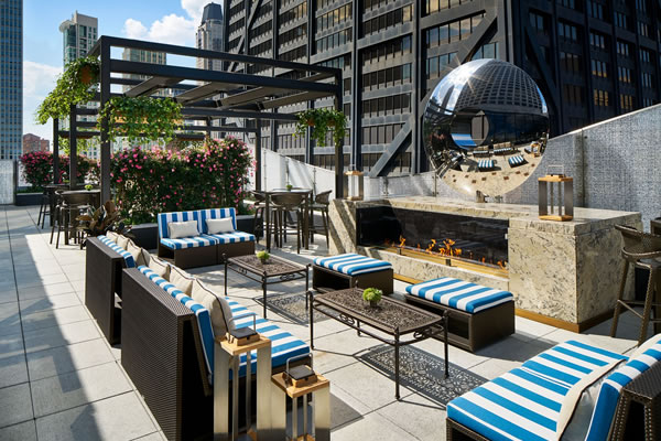 Rooftop at Torali Bar - ©The Ritz-Carlton, Chicago