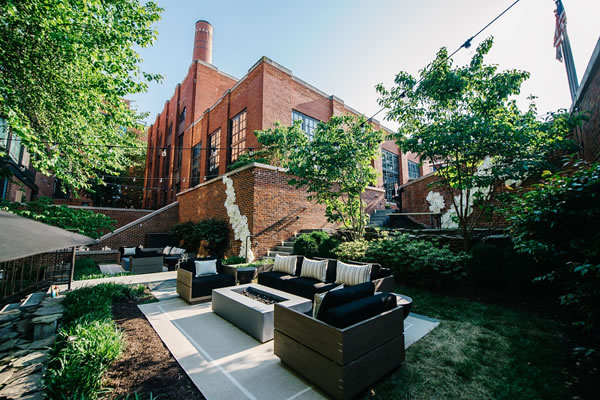 The Yard terrace - ©The Ritz-Carlton Georgetown, Washington D.C.