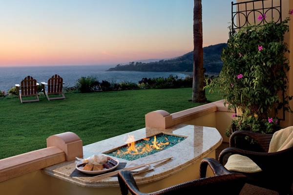 Fireside Oceanview Guest Room - ©The Ritz-Carlton, Laguna Niguel