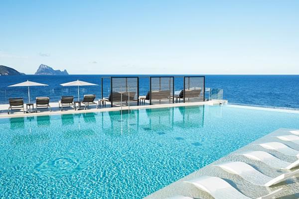Infinity Pool -©7Pines Kempinski Ibiza