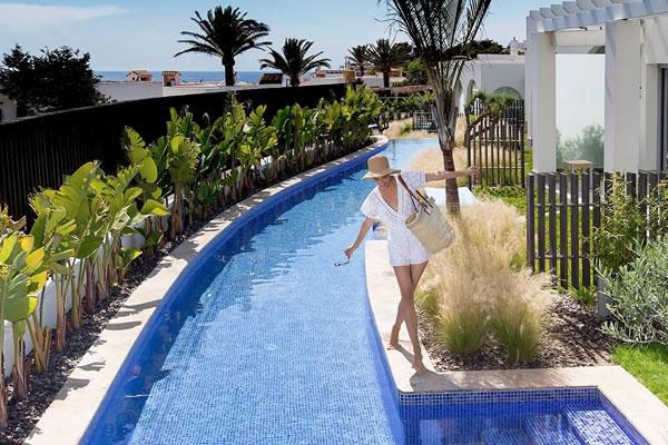 Laguna Suite Swim-up -©7Pines Kempinski Ibiza