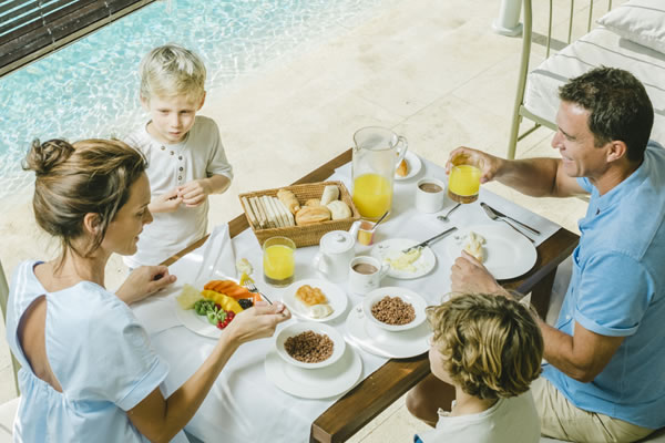 In-Villa Family Dining - ©Bahia del Duque