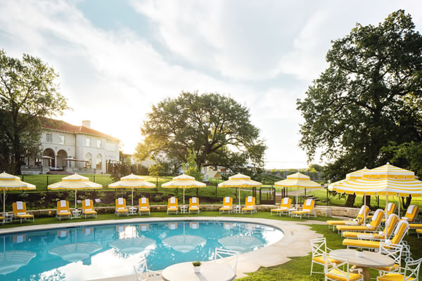 Outdoor Swimming Pool - ©Commodore Perry Estate, Auberge Resorts Collection
