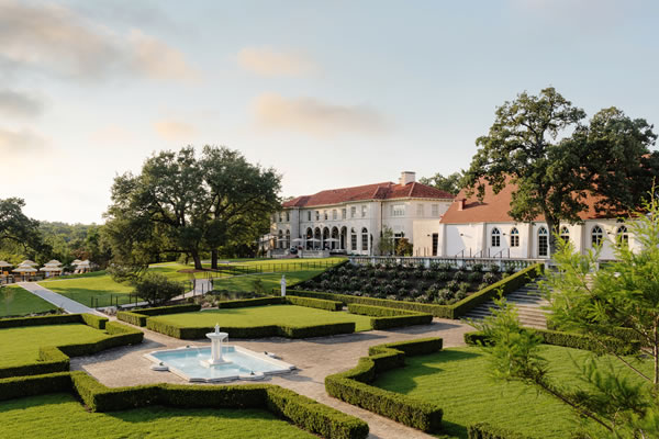 Aerial with sunken garden - ©Commodore Perry Estate, Auberge Resorts Collection
