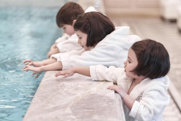 Splash Time - ©Four Seasons Hotel George V, Paris