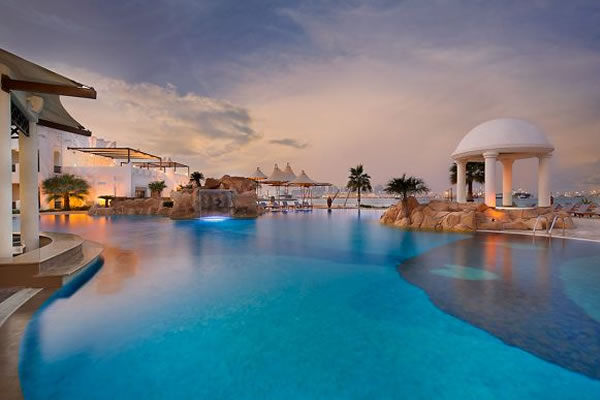 Pool ©The Ritz-Carlton, Sharq Village & Spa