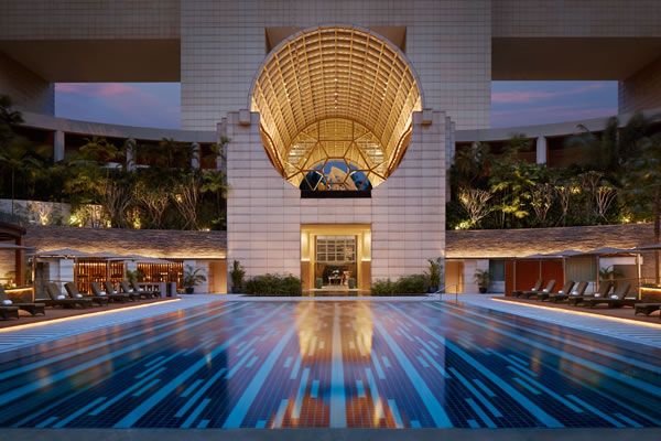 Outdoor 25 metres lap pool - ©The Ritz-Carlton, Millenia Singapore