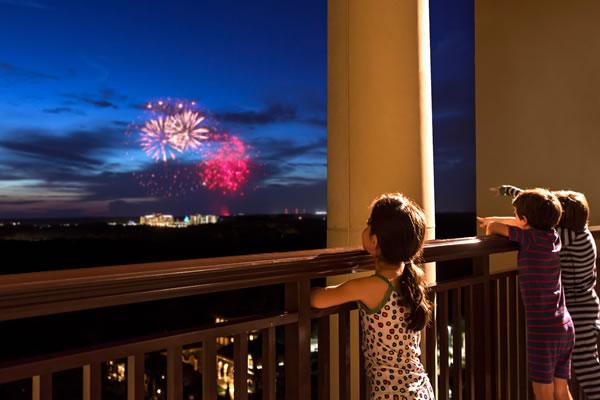 Fireworks ©Four Seasons Resort Orlando at Walt Disney World® Resort