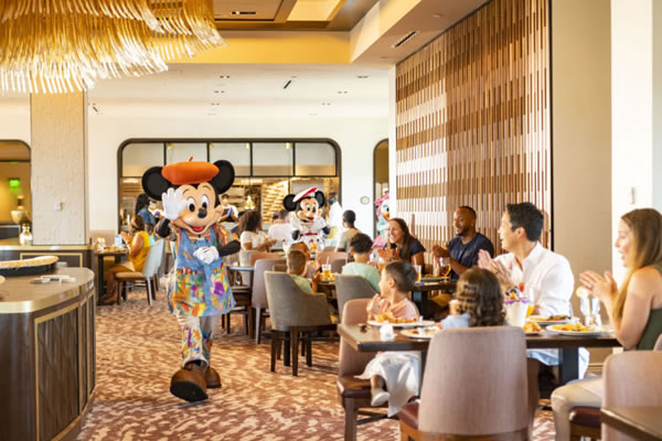Character Dining at Topolino's ©Walt Disney World® Resort