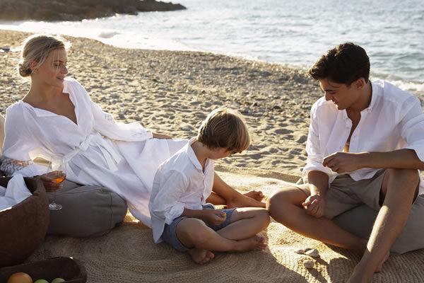 Family on the Beach - ©Domes Zeen Chania