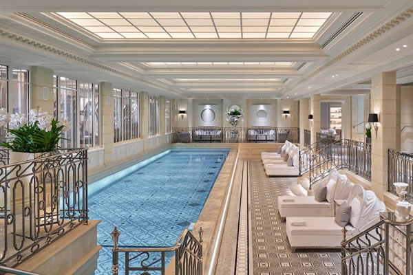 Indoor Swimming Pool - ©Four Seasons Hotel George V, Paris
