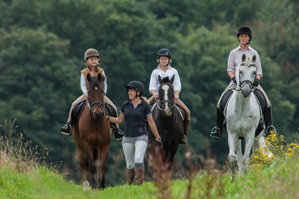 Horse Riding - ©Four Seasons Hotel Hampshire