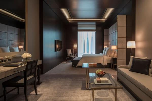 Executive Room -©Four Seasons Hotel London at Ten Trinity Square