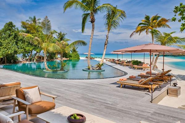 Swimming Pool - ©Joali Maldives