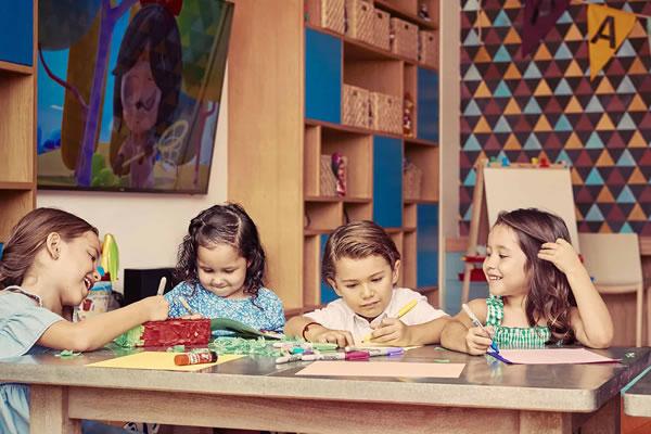 Arts & Craft at Paintbox ©Montage Los Cabos