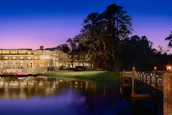 The Inn at Night ©Montage Palmetto Bluff