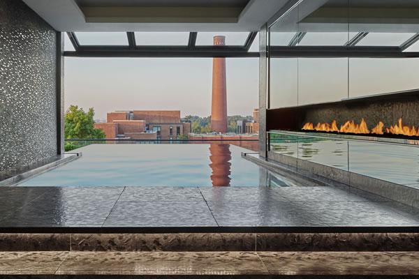 Infinity Pool - ©Rosewood Washington D.C.