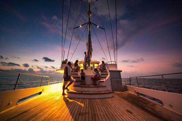 Astronomical Dinner Cruise ©Soneva Fushi