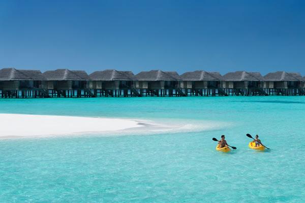 Kayaking at Beach Vakku -©Vakkaru Maldives