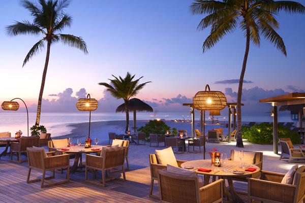 Vakku Beachside Dining -©Vakkaru Maldives