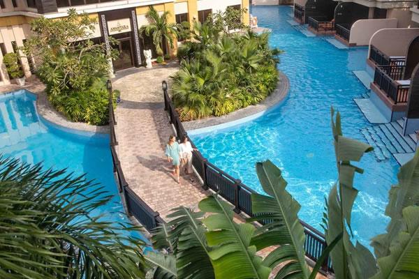 Bridge to Spa ©Anantara The Palm Dubai Resort