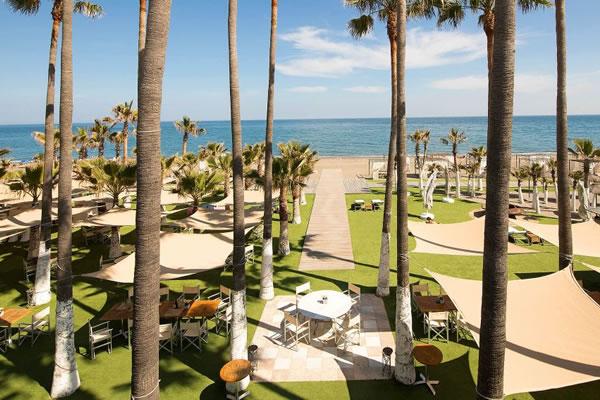 Beach Club ©Anantara Villa Padierna Palace Resort