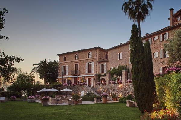 Façade at Sunset ©La Residencia, A Belmond Hotel, Mallorca