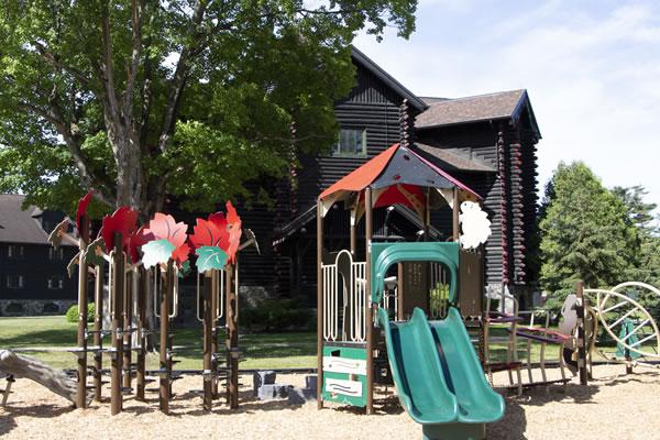 New Children's Playground ©Fairmont Le Château Montebello