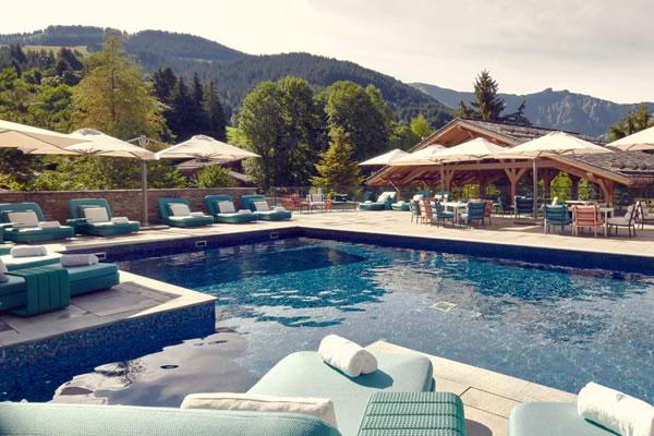 Outdoor Pool ©Four Seasons Hotel Megève