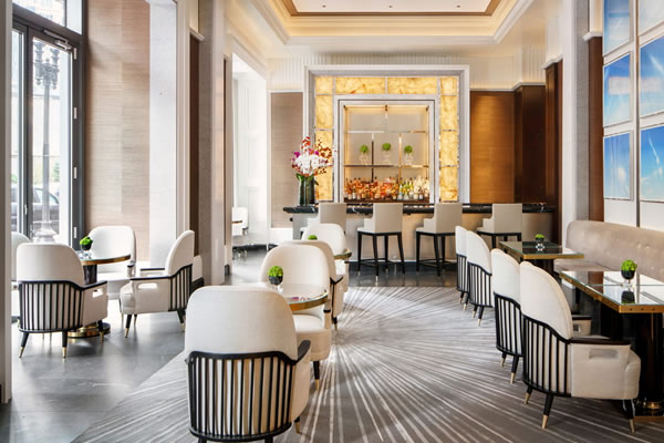 Trifecta Lobby Bar ©Four Seasons Hotel One Dalton Street, Boston