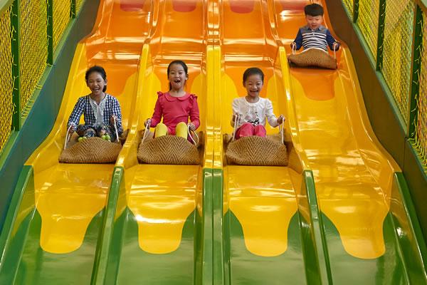 Slides at Adventure Zone ©Shangri-La's Sanya Resort and Spa Hainan