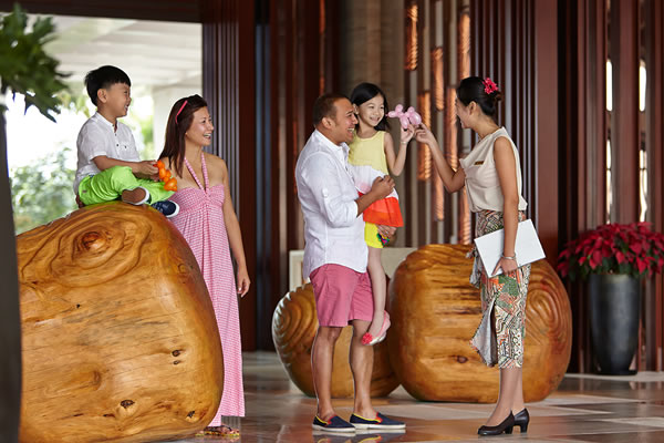 Welcome in the Lobby ©Shangri-La's Sanya Resort and Spa Hainan
