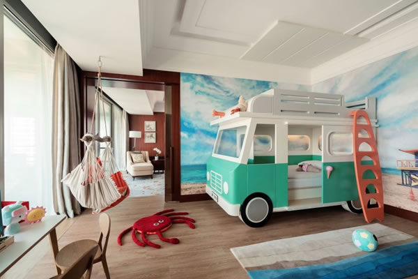 Family Themed Suite Beach ©Shangri-La Hotels & Resorts