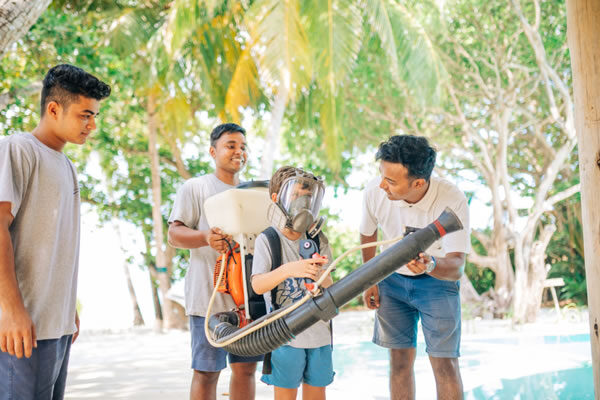 Soneva Academy Mosquitoes ©Soneva Fushi Maldives