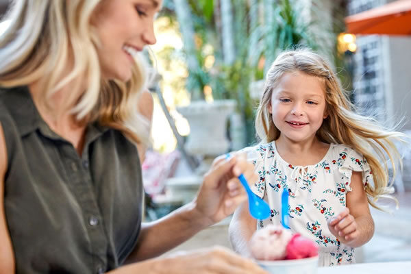 Mom & Daughter Icecream Time ©The Breakers, Palm Beach