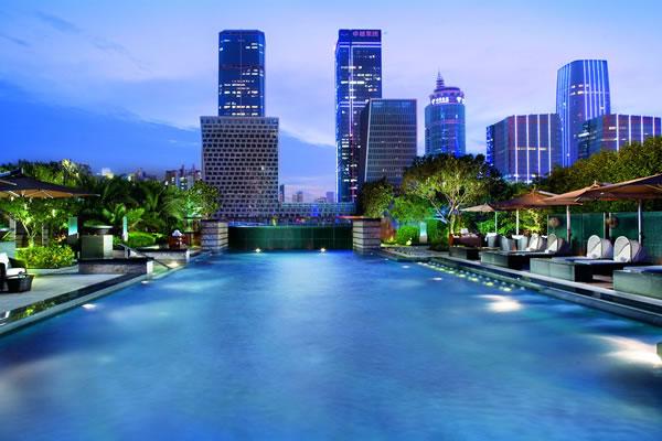 Outdoor Pool ©The Ritz-Carlton, Shenzhen
