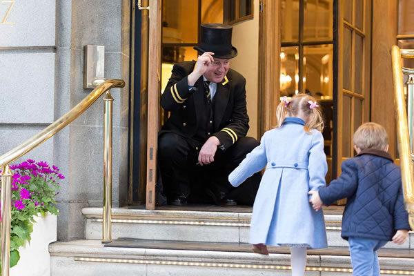 Kids with Doorman Michael ©The Ritz London